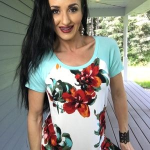 New Floral body raglan short sleeve top